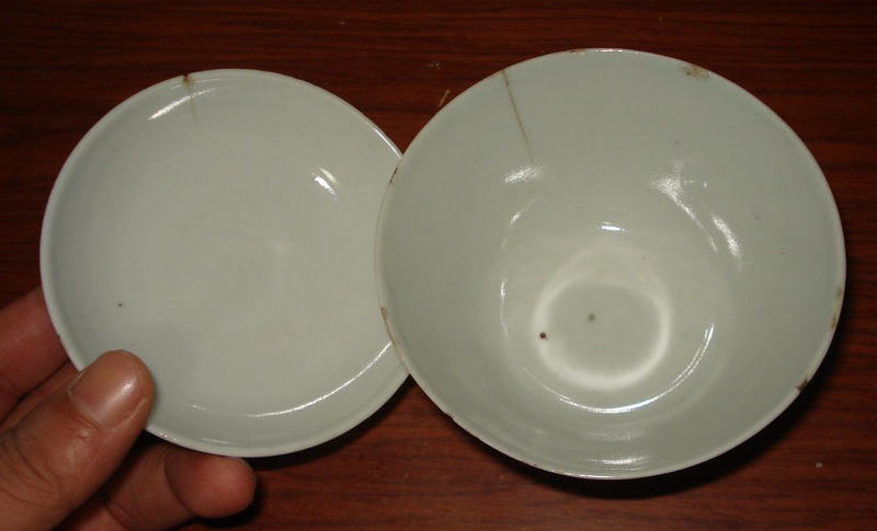 bowls-knocking-each-other3